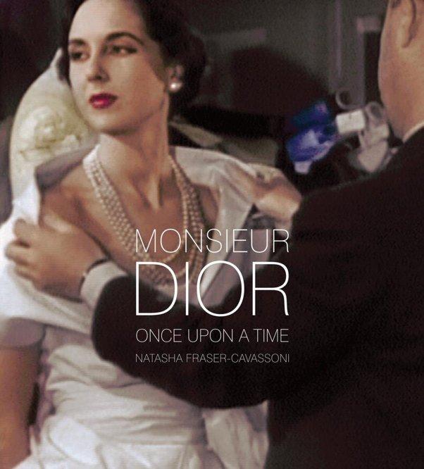 Gosto de Canela - Capa do livro Monsieur Dior