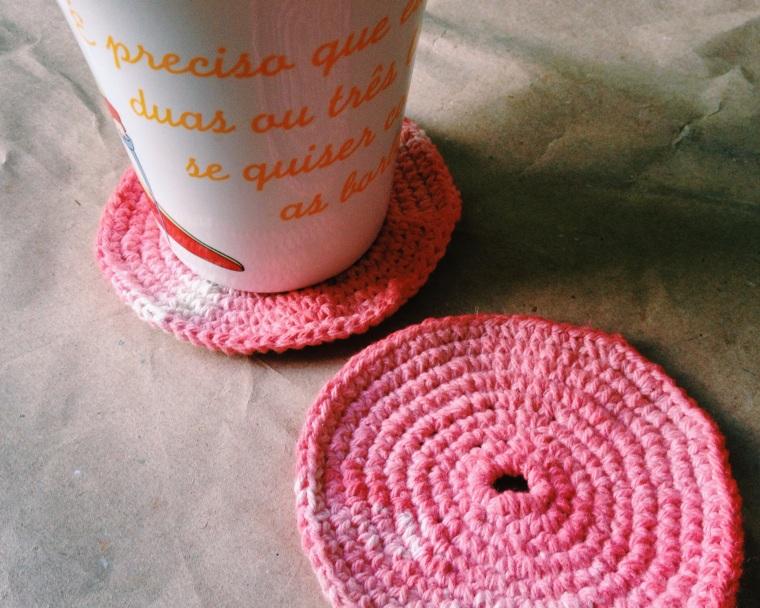 Gosto de Canela - Descanso de copo de crochet
